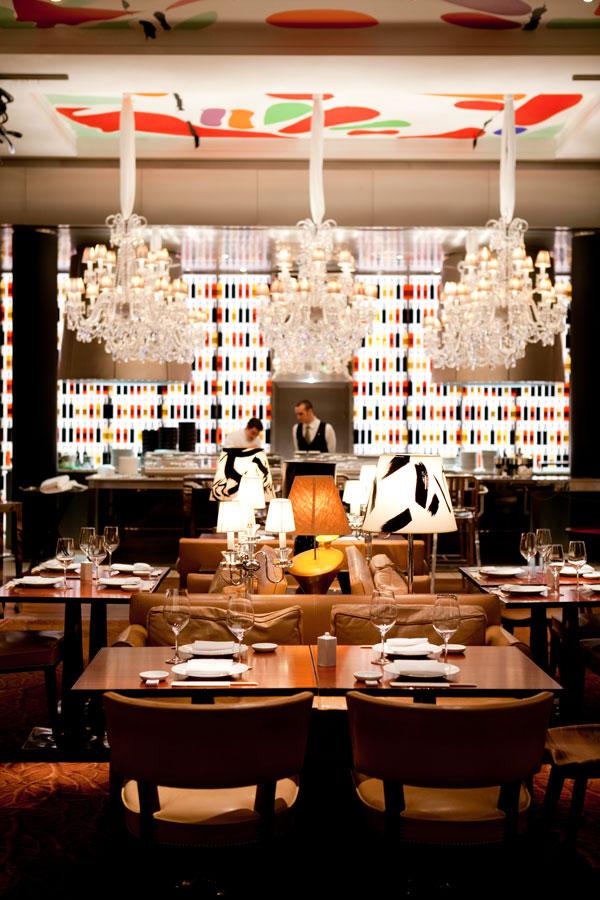 The aston martin magazine for Restaurant la cuisine royal monceau