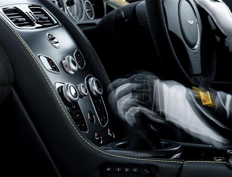 Aston Martin V12 Vantage S  Extreme Sport