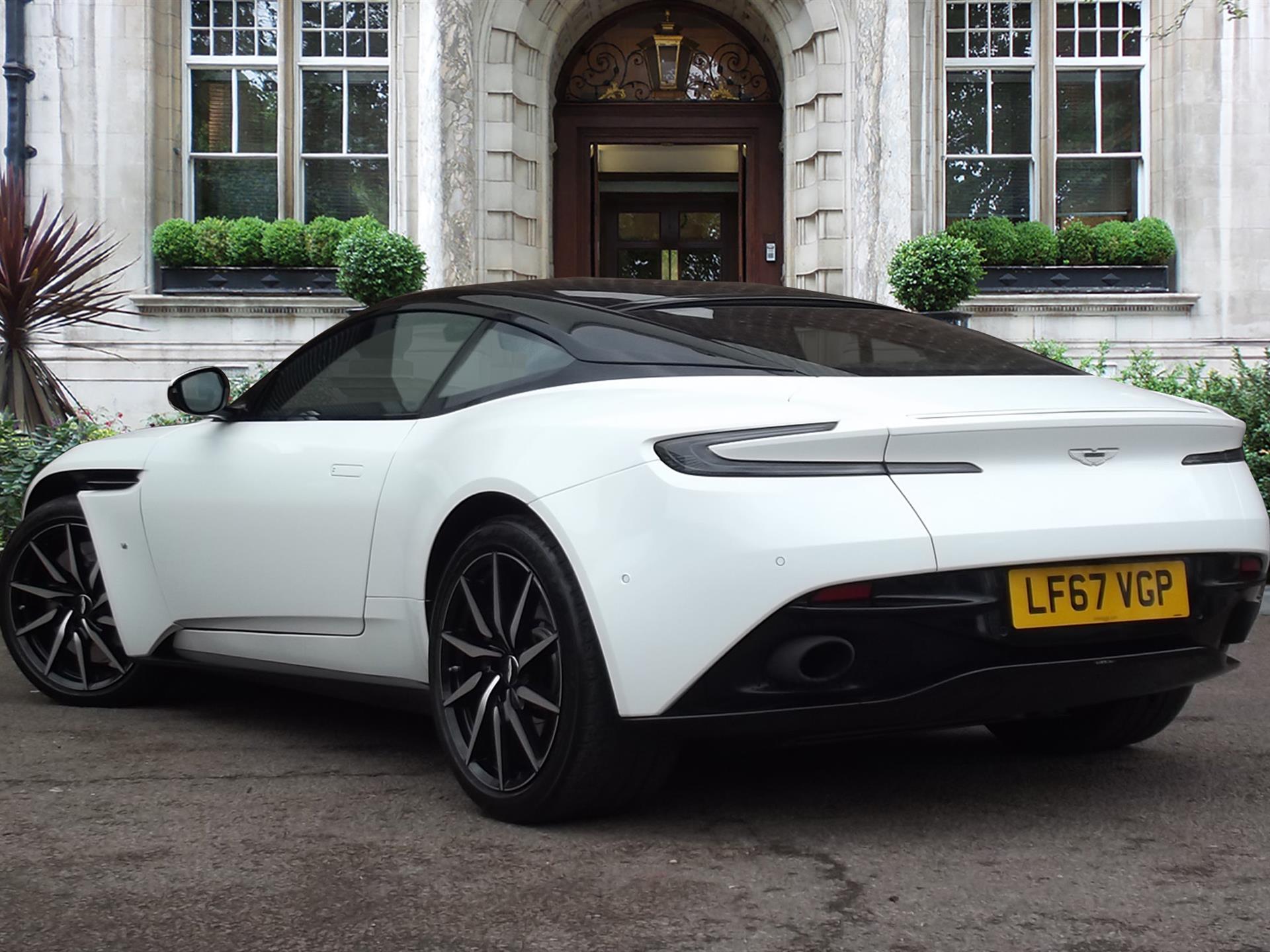 Aston Martin Lagonda Pre Owned Amp Used Aston Martins